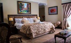 Royal-en Suite Room 8