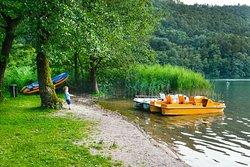 Spiaggia privata del Camping Due Laghi sul Lago di Levico