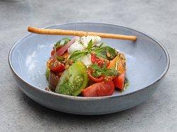 Burratina crémeuse, tomates anciennes