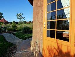 Vue de la porte de votre bungalow.
