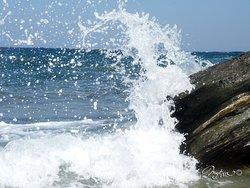 plage de droite à plati gialos