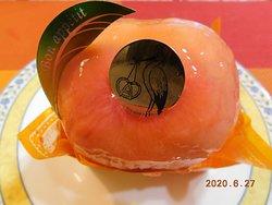 まるごと桃とロールケーキ