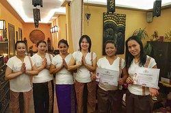 Каждый тайский мастер Thai Beauty Spa имеет стаж от 11 лет и практиковал в 4-6 лучших Beauty Spa Мира. У многих дипломы преподавателя тайского массажа и высшее медицинское образование! Это уникальный коллектив для помощи вашему здоровью и сохранении красоты!