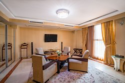 Presidential Suite - Entertainment & Living Room Area