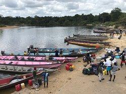 Atjoni, waar de boten van de Suriname rivier vertrekken