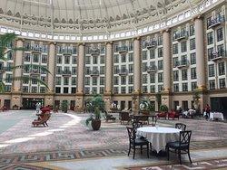 Ballard's dining in Atrium
