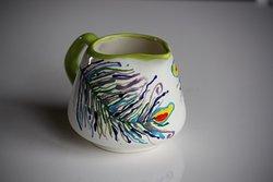 Create unique gifts, paint a pot