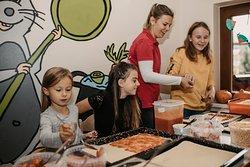 Pizza backen im Kinderklub