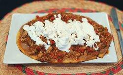 El Huarache es uno de nuestros platos favoritos. ¿Te animas?