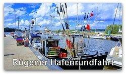 """Ganzjährig buchbar ist die """"Rügener Hafenrundfahrt"""". Sie startet um 8:45 Uhr in Glowe, Rügen Radio 6. Die Abholung ist möglich. Der Preis pro Person beträgt 60 Euro. Maximal 7 Personen können an der Kleinbustour teilnehmen. Anmeldung unter www.ruegentouren.de"""