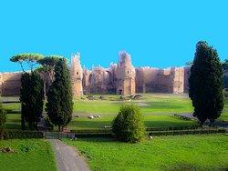 Le Terme di Caracalla  in lontananza viste dal Rione