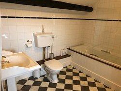 Room 1 en suite bath and shower room.