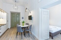 Krupnicza Apartment 10-3