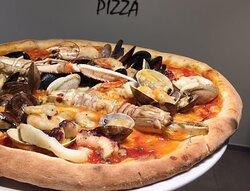 pizza ai frutti di mare Gatto Bianco 1968 - Ferrara