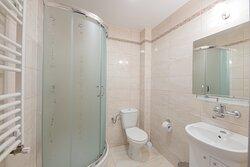 Prywatna łazienka w pokoju dwuosobowym