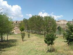 Exterior de la ermita y su precioso entorno y vistas.