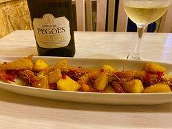 Pegoes White Wine excellent, fantastic price