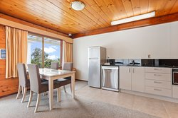 Garden Spa View Apartment - kitchen