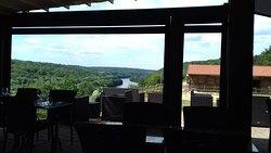 vue sur la Moselle et le canal depuis la terrasse