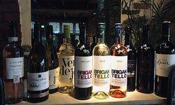 Genieten van heerlijke wijnen (glas, fles of high wine)