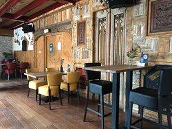 eten in de sfeervolle ambiance van De Brasserie van Hotel Onder de Linden