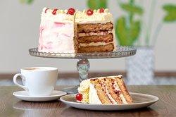 Coffee and Cake Photo by Daniel Jones Photography