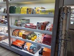 Über 1000 Produkte der Homefashion- Kollektion ganzjährig im Werksverkauf vorrätig.