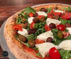 Bufala e pomodorini olive