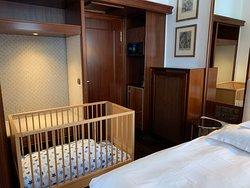 Junior Suite - Kofferablage, Safe und Minibar