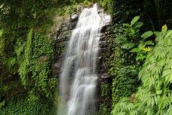 阿葉溪瀑布