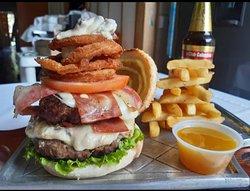 Indudablemente, la mejor hamburguesa de Darien, super recomendadisima !!!!