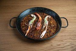 Catavents - Paella marinera con arroz cristalino de pals, gamba roja y cigala.