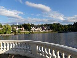 vue de l'hôtel depuis le lac