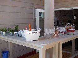 Prickelnde Spezialitäten und feinste Roseweine - perfekt für einen sommerlich warmen Tag