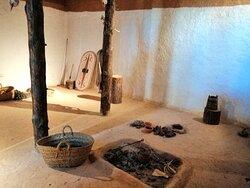El taller metal·lúrgic és un gran espai amb els elements propis d'aquesta activitat documentats durant les excavacions.