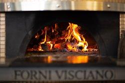 O nosso forno fabricado artesanalmente pela familia Visciano em Nápoles!