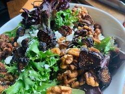 Feta fig walnut salad