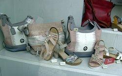 Im Schuh -Geschäft...