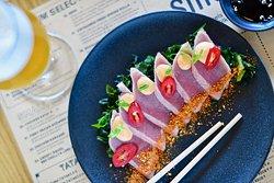 Beautifully seared tuna Tataki with spicy mayo and chillies
