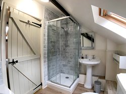 Shower in Red Kite Cottage.