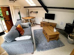 Red Kite Cottage - Living room