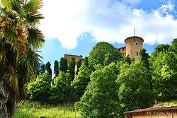 Castello Roero Di Monticello d'Alba