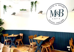 Motte & Bailey Cafe
