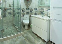 Ванная комната. Душевая кабина. Туалет. Бойлер.