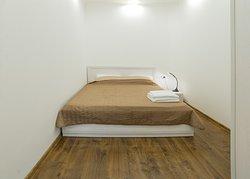 Спальня. Двуспальная кровать.