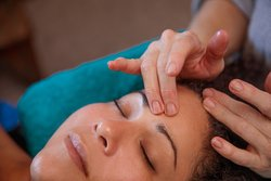 All facial include a minimum 10 minute face, neck and décolletage massage to relax facial massage and help drain lymphatics