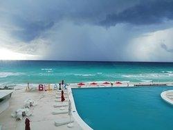 foto durante una tormenta en el mar.