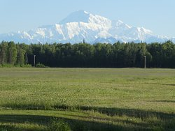 Another shot of a clear Denali.