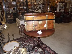 ME – YORK - TANGIBLES ANTIQUES - TRUNK #1