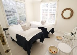 Woodman Estate Wellness Retreat Double Treatment Rooms perfect for couples and girls' getaways!